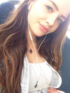 me selfie smile brownhair blueeyes